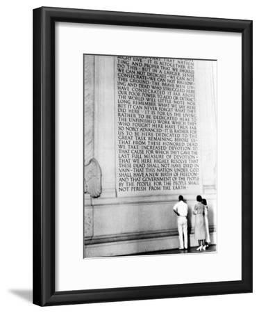 Visitors Reading the Inscription of Pres. Abraham Lincoln's Gettysburg Address, Lincoln Memorial