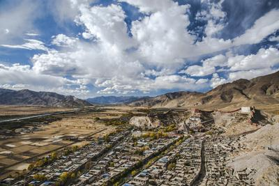 Overview of Kumbum in Gyantse, Tibet, China, Asia
