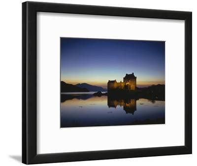 GrovŸbritanien, Schottland, Eilean Donan Castle Mit, Loch Duich Am Abend, Abendstimmung, Burg, See
