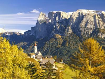 Italy, South Tyrol, Mittelberg, Schlern, Autumn