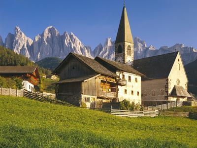 Italy, South Tyrol, Villn?Tal, St. Magdalena, Church, Mountains, 'Geislerspitzen'