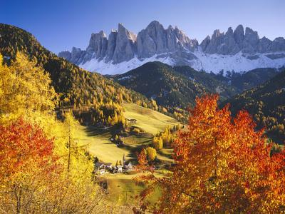 Italy, South Tyrol, Villn?Tal, St. Magdalena, Mountains, 'Geislerspitzen', Autumn