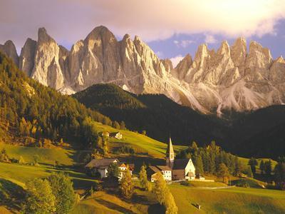 Italy, South Tyrol, Villn?Tal, St. Magdalena, Mountains, 'Geislerspitzen', Autumn