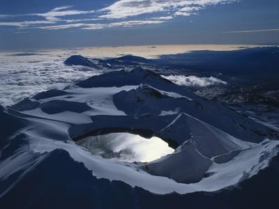 New Zealand, Mount Ruapehu with Crater Lake