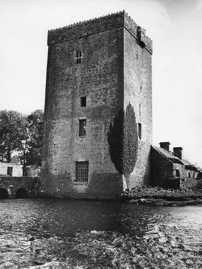 Thoor Ballylee--Photographic Print