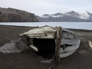 Deception Island, South Shetlands, Antarctic, Polar Regions by Thorsten Milse