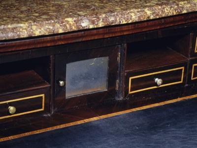 https://imgc.artprintimages.com/img/print/three-drawer-commode-with-rosewood-and-kingwood-veneer-finish-1770-1780-italy-detail_u-l-pp0ai10.jpg?p=0