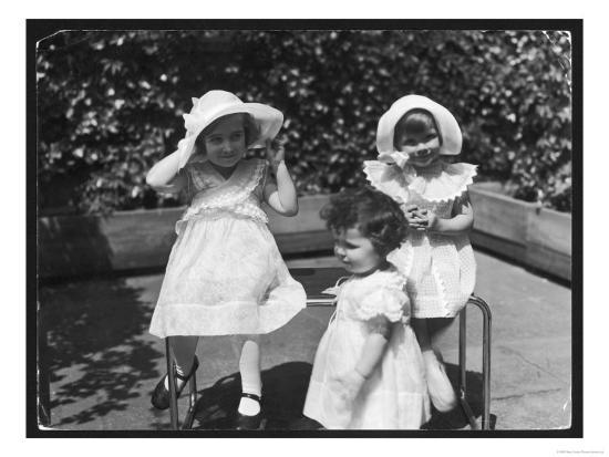 Three Little Girls in White Dresses with Matching Hats--Giclee Print