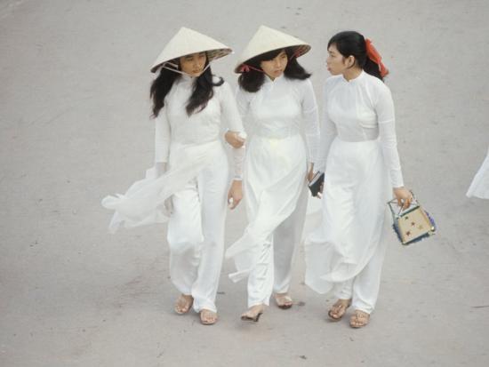 Young vietnamese women