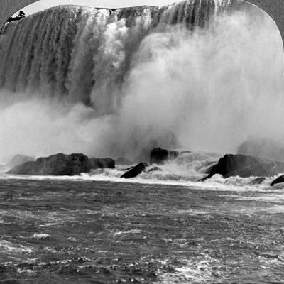 Thunder of Waters, American Falls, Niagra Falls, New York, Usa