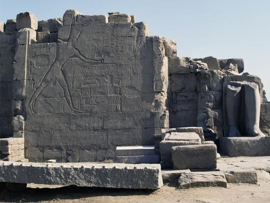 Thutmose III Imprisoning the Hittites, Relief, Rear of the Seventh Pylon, Karnak Temple Complex--Photographic Print