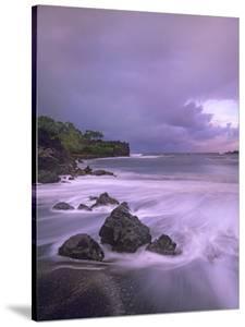 Black Sand Beach, Waianapanapa State Park, Maui, Hawaii, Usa by Tim Fitzharris