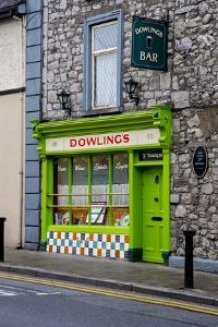 Dowling's Pub in Cashel by Tim Thompson