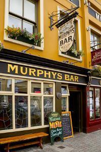 Murphy's Bar in Killaney by Tim Thompson