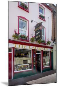 The Laurels Pub in Killarney by Tim Thompson