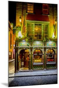 The Quay's Bar in Dublin by Tim Thompson