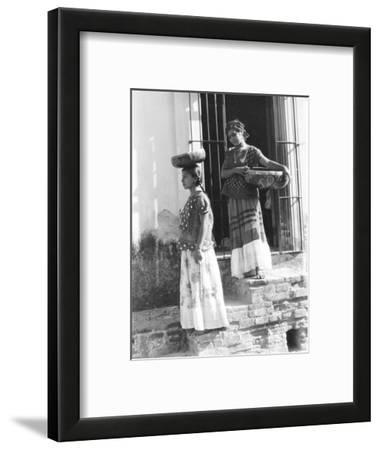 Women in Tehuantepec, Mexico, 1929