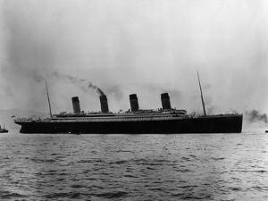 Titanic Leaves Belfast