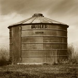 Butler Corn Crib by TM Photography