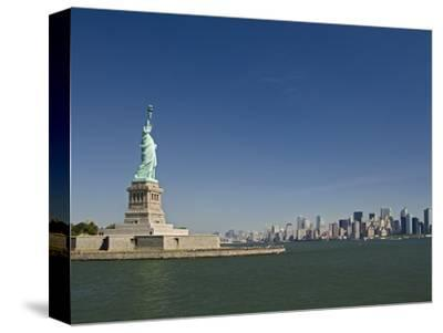 Statue of Liberty, Liberty Island and New York Skyline
