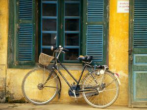 Bicycle in Hanoi, Vietnam by Tom Haseltine
