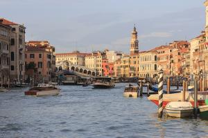 Grand Canal and Rialto Bridge. Venice. Italy by Tom Norring