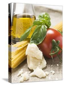 Tomato with Spaghetti, Parmesan, Basil and Olive Oil