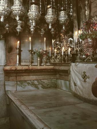 https://imgc.artprintimages.com/img/print/tomb-of-jesus_u-l-pw46z90.jpg?p=0