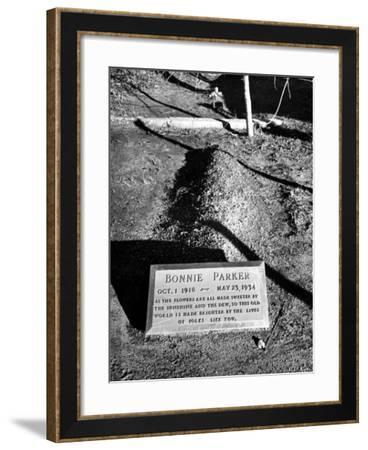 Tombstone of Bonnie Parker-Carl Mydans-Framed Photographic Print