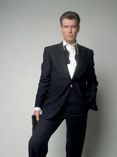 Tomorrow Never Dies 1997 Directed by Roger Spottiswoode Pierce Brosnan--Photo