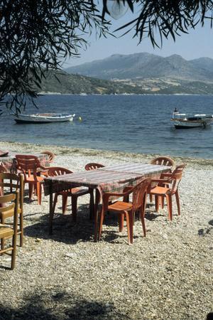 Harbour taverna, Ligia, Levkas, Greece