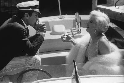 Tony Curtis and Marilyn Monroe in 'Some Like it Hot'--Photographic Print