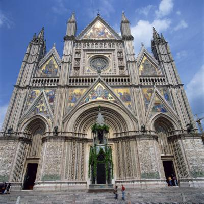 13th Century Duomo in the Town of Orvieto in Umbria, Italy, Europe