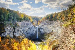 Taughannock Falls by Tony Shi Photography