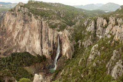 Cascada de Basaseachi, a 246m waterfall, Copper Canyon, Chihuahua, Mexico, North America
