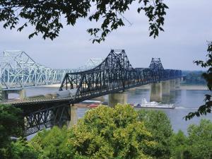 Mississippi River, Vicksburg, Mississippi, USA by Tony Waltham