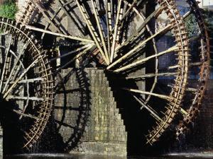 Triple Noria (Wooden Water Wheel), Hama, Syria by Tony Wheeler