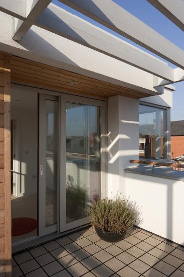 Top Floor Terrace at Green Street Housing, Nottingham, UK-Martine Hamilton Knight-Photo