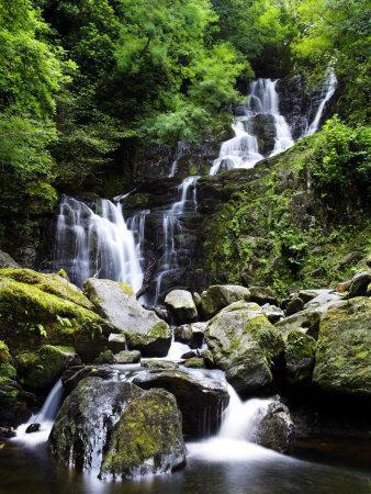 https://imgc.artprintimages.com/img/print/torc-waterfall-ireland_u-l-q10rdlz0.jpg?p=0