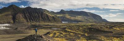 https://imgc.artprintimages.com/img/print/tourist-in-skaftafell-national-park-south-region-of-iceland-sudurland-iceland-polar-regions_u-l-q12scj80.jpg?p=0