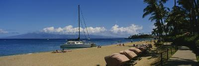 Tourists on the Beach, Black Rock, Kaanapali Beach, Maui, Hawaii, USA--Photographic Print