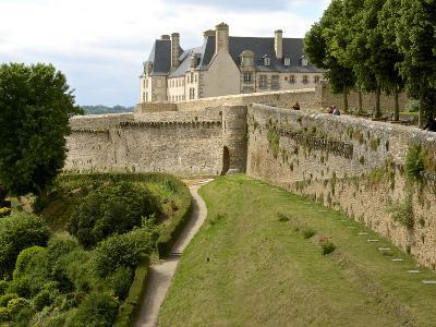 Town Ramparts from 13th-15th Centuries, Tower and English Garden, Dinan, Cotes D'Armor, France-Guy Thouvenin-Photographic Print