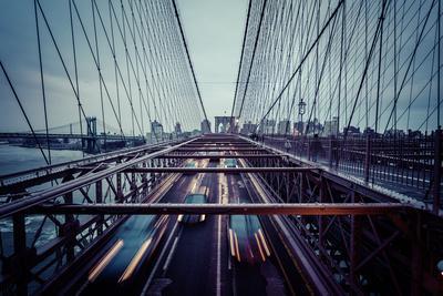 https://imgc.artprintimages.com/img/print/traffic-at-brooklyn-bridge-rainy-evening-skyline-of-manhattan-new-york-usa_u-l-q1ew7w10.jpg?p=0