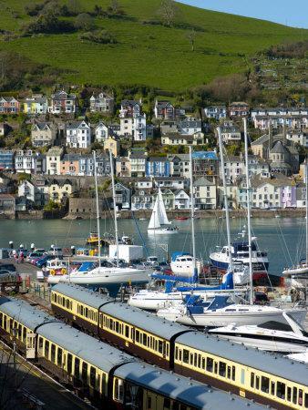 https://imgc.artprintimages.com/img/print/train-dartmouth-harbour-devon-england-united-kingdom-europe_u-l-p9356s0.jpg?p=0
