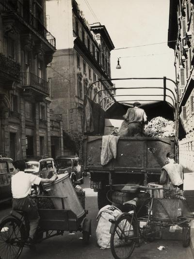 Trash Collection on a Street of Rome-Luigi Leoni-Photographic Print