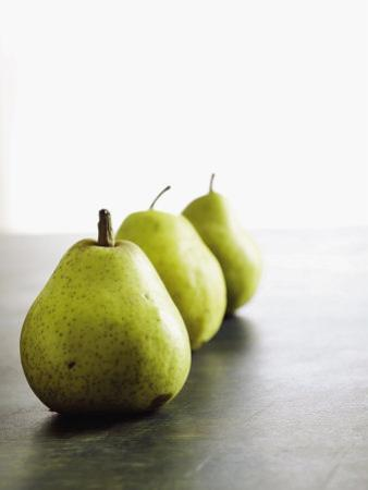 Traveling Pears in Green
