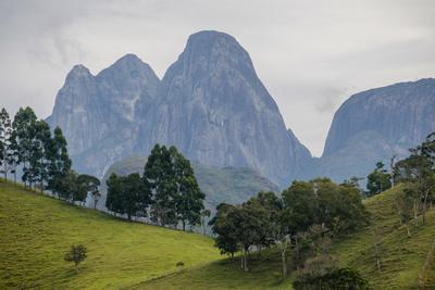 https://imgc.artprintimages.com/img/print/tres-picos-mountain-in-tres-picos-state-park-rio-de-janeiro-brazil_u-l-q1gx3xt0.jpg?p=0