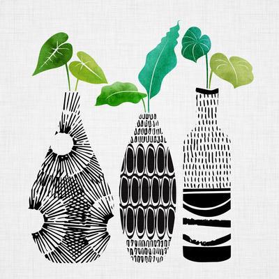 https://imgc.artprintimages.com/img/print/tribal-vase-trio_u-l-f9i7450.jpg?p=0