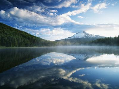 https://imgc.artprintimages.com/img/print/trillium-lake-mt-hood-national-forest-mt-hood-wilderness-area-oregon-usa_u-l-pien870.jpg?p=0