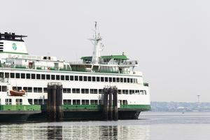 Eagle Harbor, Ferry Arrives Bainbridge from Seattle by Trish Drury